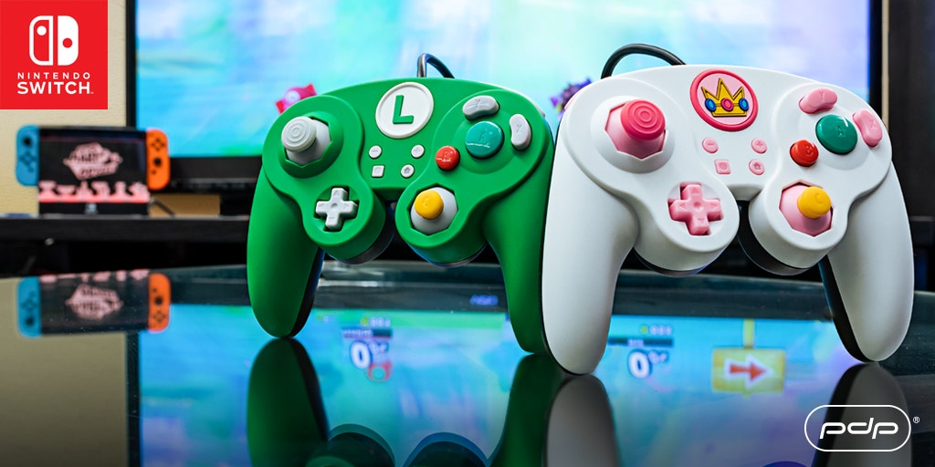 Luigi & Peach Wired Fight Pad Pro Controllers are Finally Here!